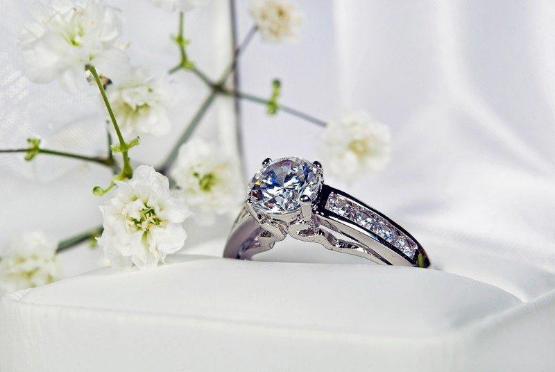 ec2bcb2d4bf6 Cómo Comprar Diamantes Por Internet
