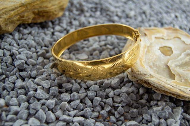 pulsera labrada tradicional en oro - Monte de Piedad La Caja de Canarias - Subasta septiembre 2020